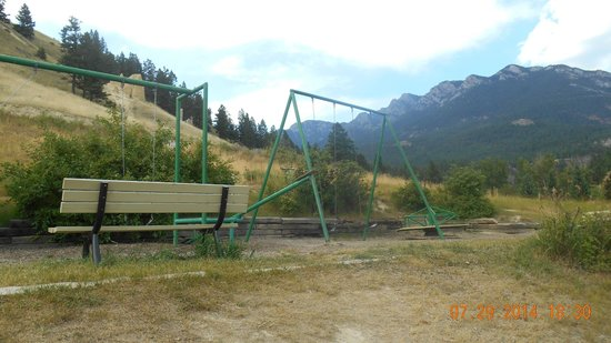 Canyon RV Resort: One of the playgrounds