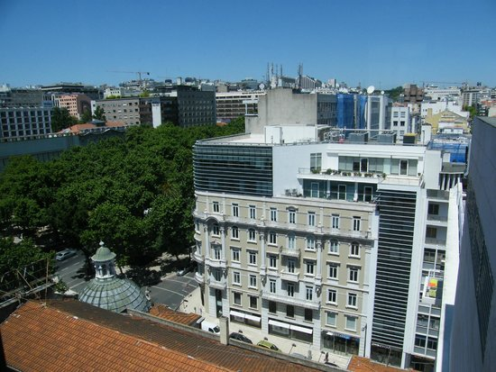 NH Lisboa Liberdade : view from the lift