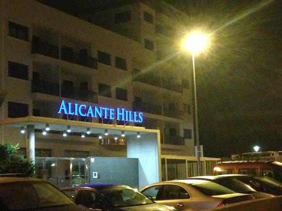 Apartamentos Turisticos Alicante Hills: Et greitt alternativ for en natt eller to