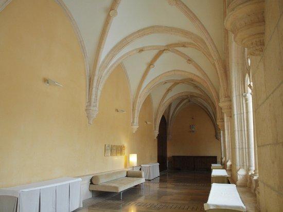 NH Collection Palacio de Burgos : Vista interior claustro
