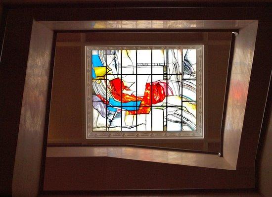 NH Collection Palacio de Burgos: Claraboya de la escalera principal