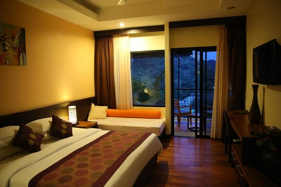 Aonang Cliff Beach Resort: Ocean View Suite