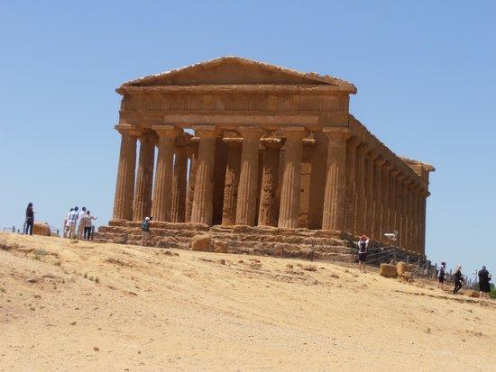 Valley of the Temples (Valle dei Templi): Concordia Temple