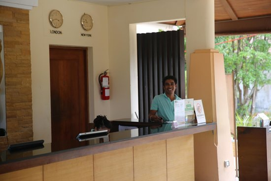 Aonang Cliff Beach Resort: warm smiles and friendly faces everywhere