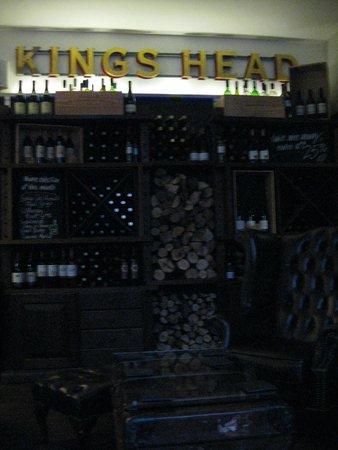 The Kings Head: The bar