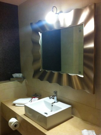 Hotel Kilkenny : Fab spacious bathroom , very clean