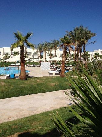 Le Royal Holiday Resort: gardens