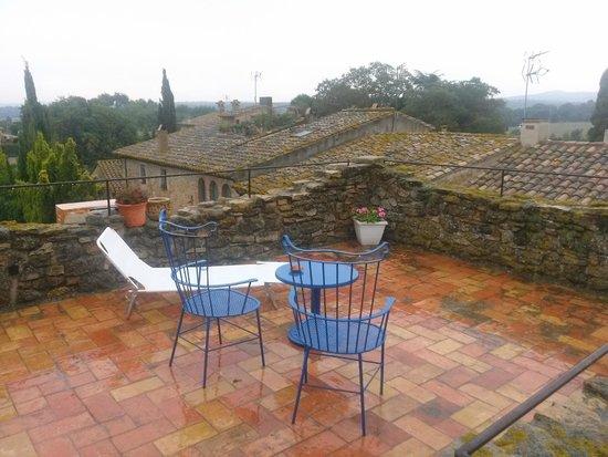 Hostal Blau: Terraza de la habitación 4 (día de lluvia)