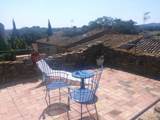 Hostal Blau: Terraza de la habitación 4 (día soleado)