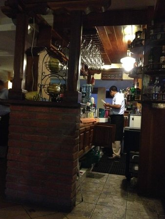 Restaurante El Zaguan: The bar