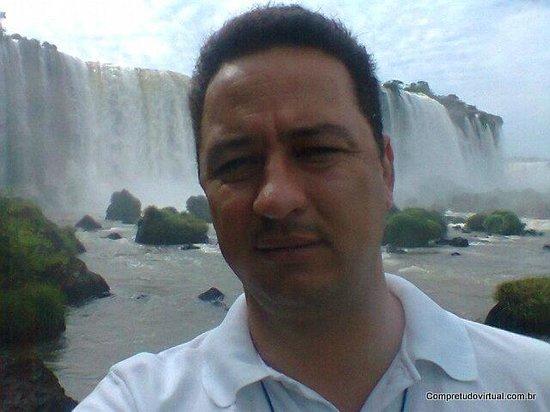 Zuid-Amerika: By Silvano de Oliveira Tour Guide Iguassu Falls