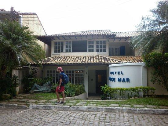 Hotel Doce Mar : Frente del hotel