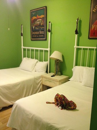 Creole Gardens Guesthouse Bed & Breakfast: Cottage #11
