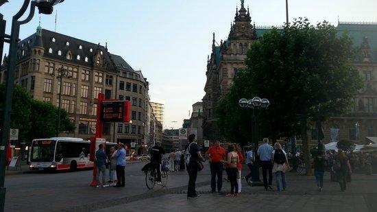 Rathausmarkt: Market area