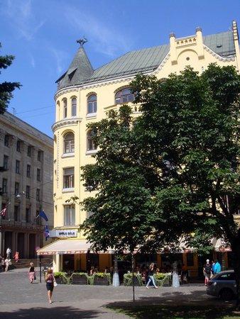 Old City Riga (Vecriga): Дом с черными котами