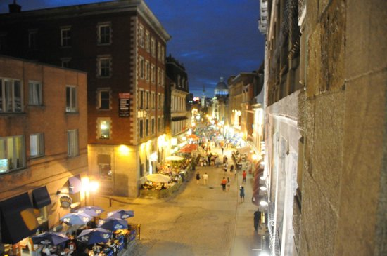 Auberge du Vieux-Port: Our view of Rue St. Paul