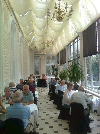 The Palace Hotel: Breakfast was taken in the long room.  Or was it the orangery?  Conservatory?