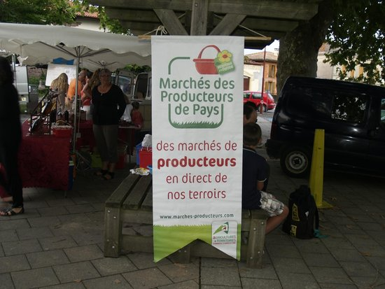 Pontenx-les-Forges, Francia: Mercado