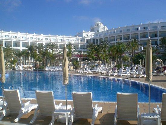 Hotel Riu Palace Maspalomas : Bellissime e ampie zone piscina