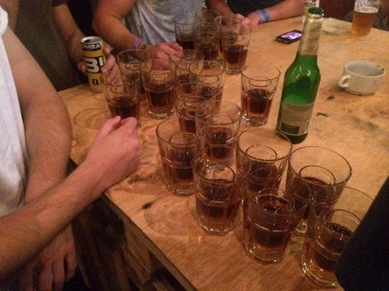 Carpe Noctem Hostel: jager train