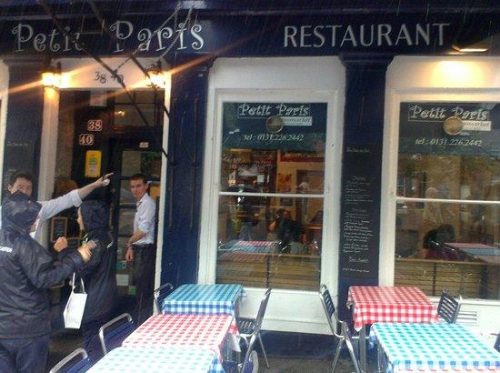 Petit Paris: Even in the rain
