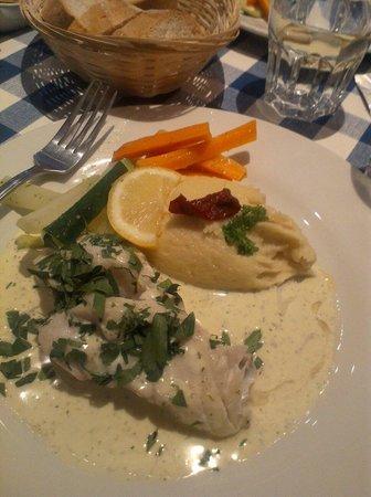Petit Paris: Plat du jour, fish in dill sauce