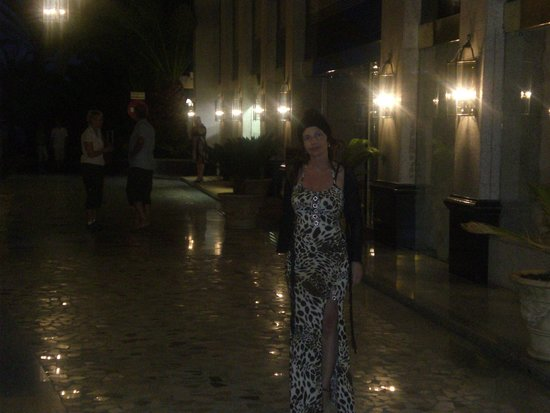 Hotel Riu Palace Maspalomas: Hotel splendidamente illuminato la sera