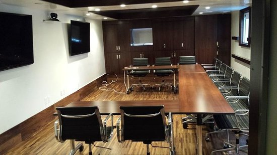 SIXTY Beverly Hills : Executive Conference Room