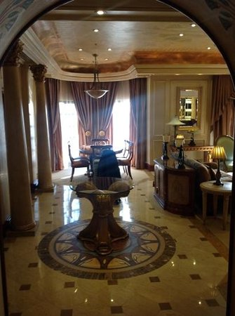 Peermont D'oreale Grande at Emperors Palace : Elegance upon entering!