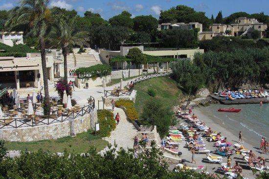 Le Cale d'Otranto Beach Resort : Piazzale Bar, Anfiteatro e spiaggia