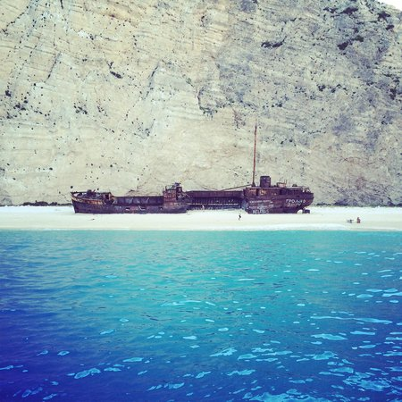 Levante Speedboat Excursions: The shipwreck. As you can see, you get there before the crowds.