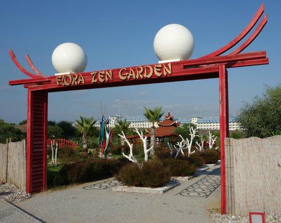 SENTIDO Flora Garden : Zen Garden