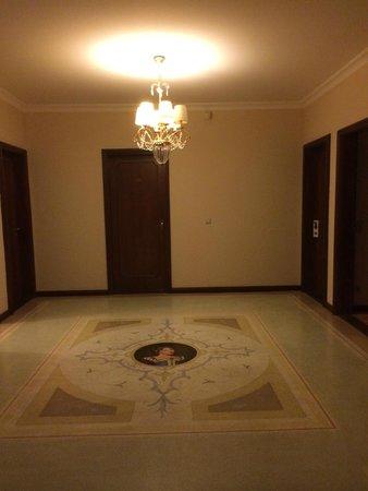 SensCity Hotel Albergo: The Hallway