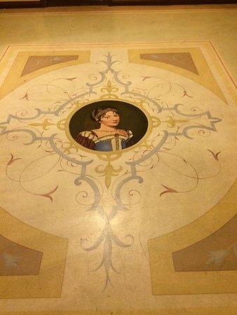 SensCity Hotel Albergo: The Beautiful Floor in the hallway