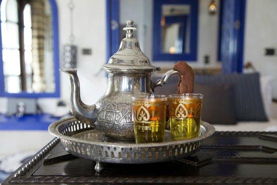 Villa Maroc: Welcome Moroccan mint tea.