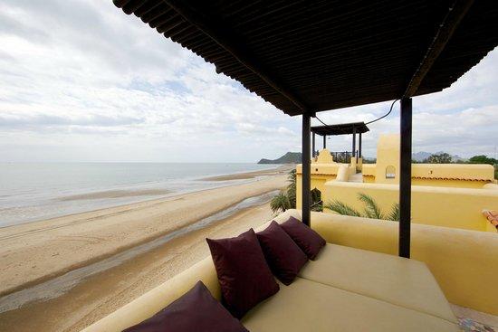 Villa Maroc: Beach front.