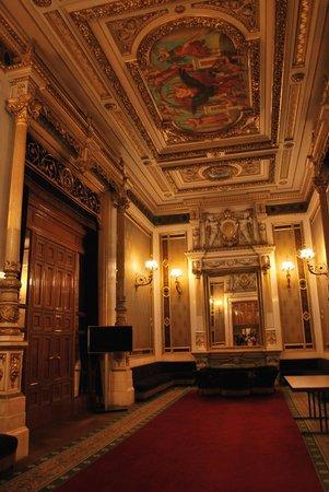 Staatsoper: Inside chamber