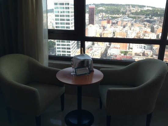 Gran Hotel Torre Catalunya : Suite view!