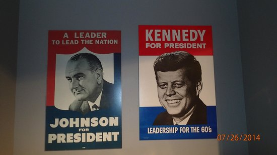 John F. Kennedy Presidential Museum & Library : Campaign posters
