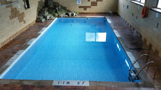 Bay Marine Hotel: Hotel swimming pool