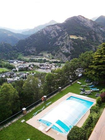 Hotel Babot: vue du balcon, sur la piscine