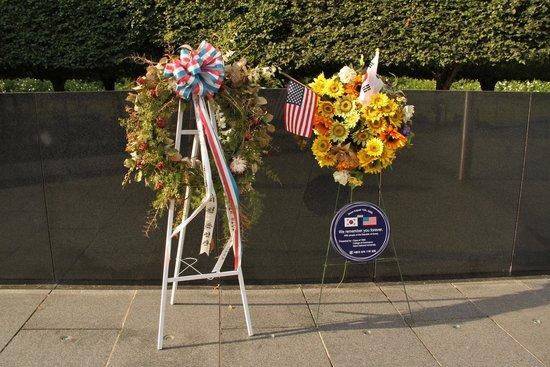 Korean War Veterans Memorial : Wreaths to remember