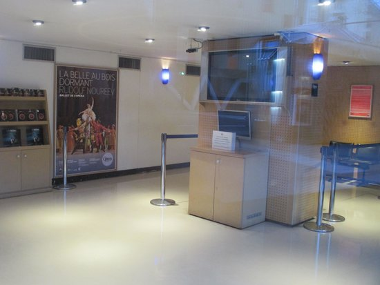 Opera Bastille - Opera National de Paris: チケット売り場