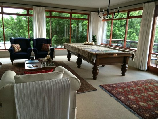 Wilderness Manor Guest House: second common room - billiards