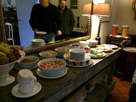 Wilderness Manor Guest House: Cold Breakfast