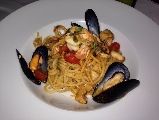 Al Borgo: Amazing Seafood spaghetti. All sorts of fish and clams are in. Juicy and has lots of flavor.
