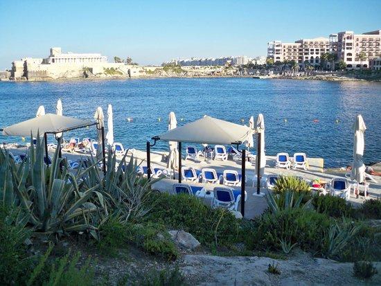 Marina Hotel Corinthia Beach Resort: lido