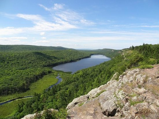 Porcupine Mountains Wilderness State Park: Lake of the Clouds