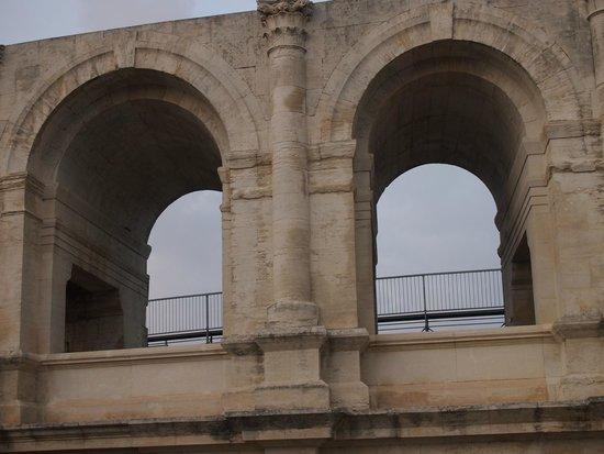 Amphitheatre (les Arenes): Detalle arcos fachada