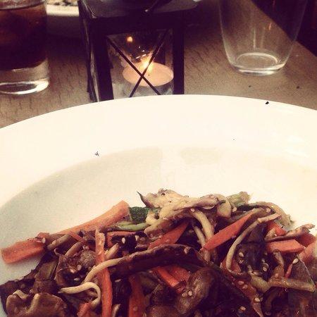 La Tana: Vegan wok